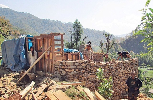 Sluggish reconstruction efforts add to woes of quake survivors